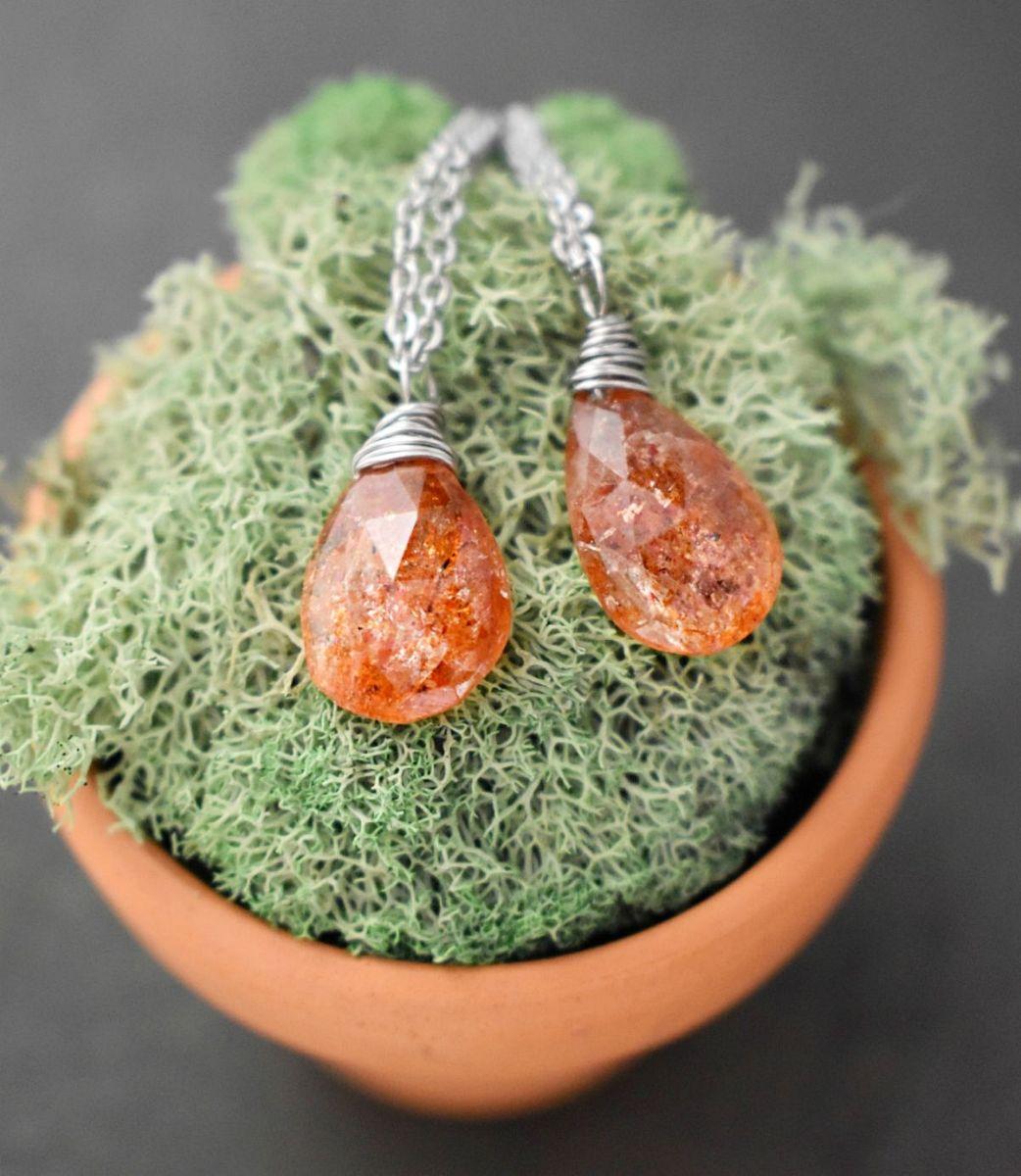 Simple Sunstone necklace