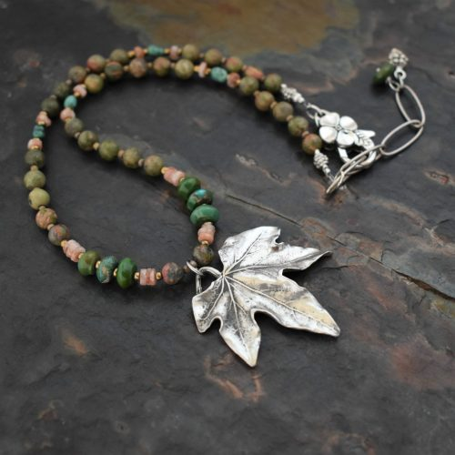 Beaded Maple leaf necklace (4)72