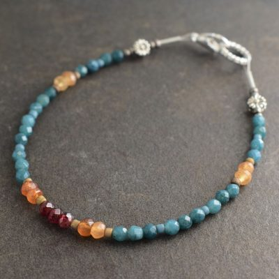 Blue agte and hessonite garnet bracelet (3)