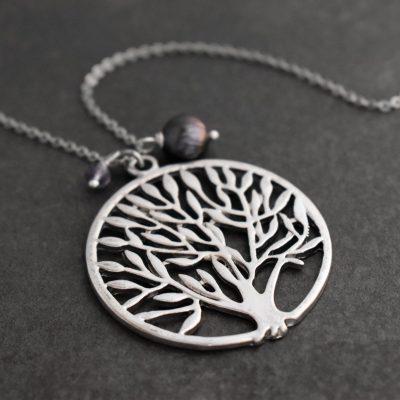 Tree and gemstones